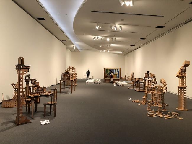 島根県立美術館『青木世一 合板でつくる立体名画「AOKIT」シリーズほか』展示の様子