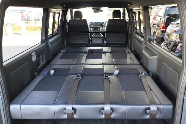 ハイエース標準ナローボディー4ナンバーのまま8人乗りIF-VR8内装施工フルフラットベット展開
